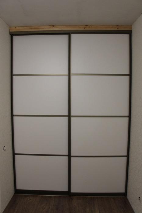 Белые шкафы-купе-Шкаф-купе из ЛДСП «Модель 97»-фото1