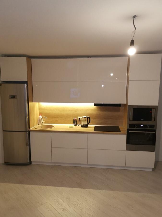 Белый кухонный гарнитур-Кухня МДФ в эмали «Модель 144»-фото2